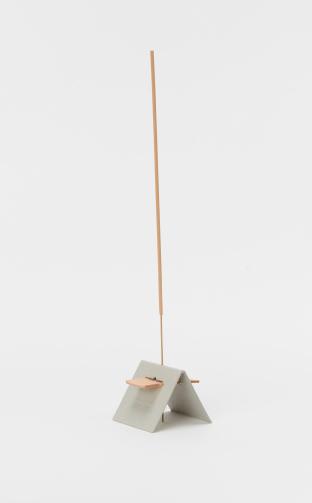 Hender Scheme 「 incense / smoky leather 」