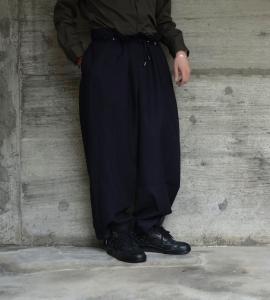 the Sakaki「Tuck Denim Wide / indigo 」