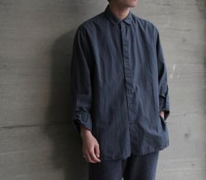 AUGUSTE-PRESENTATION 「 綿/シルク レギュラーカラーコーチジャケットシャツ 」