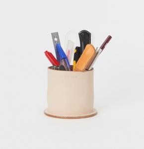 Hender Scheme「desk tidy」