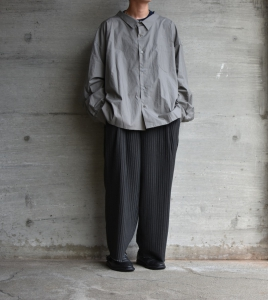 WHOWHAT「 5X SHIRT〈SHORT〉/ SMOKY GRAY 」