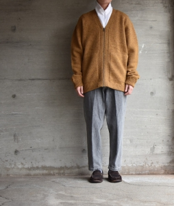 crepuscule「 Whole Garment V/N Zip Cardigan :Mustard 」