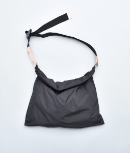 "WHOWHAT 「WRAP BAG "" S "" / BLACK」*restock"