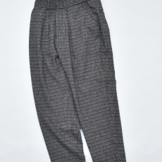 ESSAY「P-1 : TAPERED SLACKS / black check」