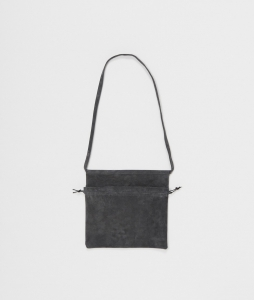 Hender Scheme「 red cross bag small / dark gray」