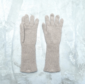 AURALEE「 BABY CASHMERE KNIT LONG GLOVES / NATURAL BROWN 」