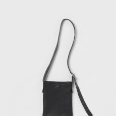 Hender Scheme「one side belt bag small / black」