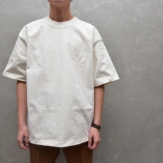 AURALEE 「 STAND-UP TEE / WHITE 」