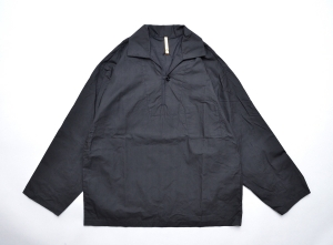 "MAN-TLE 「 R8S2 ""1BTN PULL OVER""  / BLACK 」"