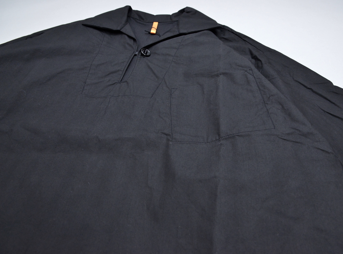 """MAN-TLE 「 R8S2 """"1BTN PULL OVER""""  / BLACK 」"""