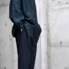 AUGUSTE-PRESENTATION PajamaLook 「 リネンセミロング丈レギュラーカラーシャツ / BLACK 」