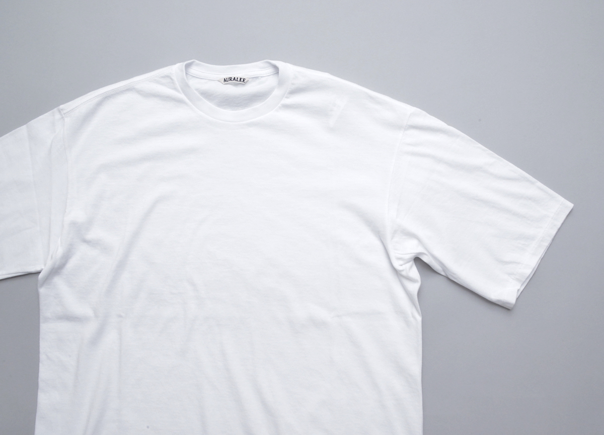 AURALEE「 SEAMLESS CREW NECK HALF SLEEVED TEE / WHITE 」