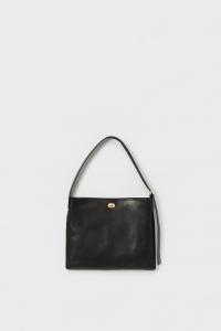 Hender Scheme「twist buckle bag M / black 」