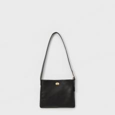 Hender Scheme「twist buckle bag S / black 」