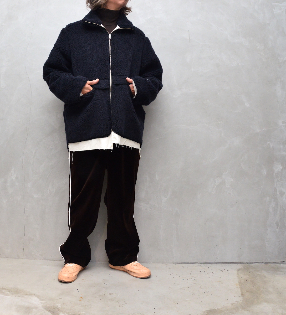 CAMIEL FORTGENS「 10.05.11 SPORT PANTS WITH PIPING VELVET 」
