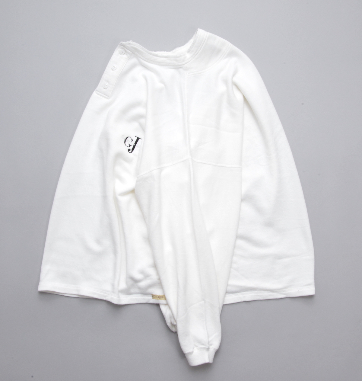 gourmet jeans 「 HENLY NECK SWEAT /  WHITE 」