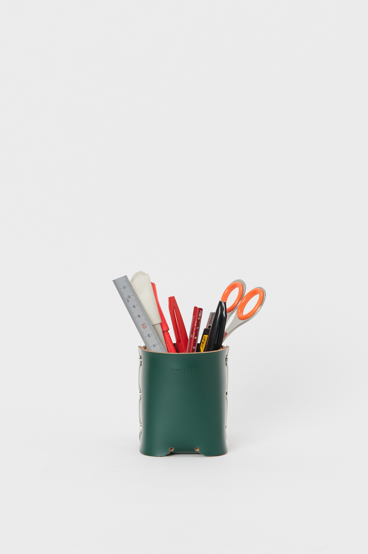 Hender Scheme「assemble pen stand」