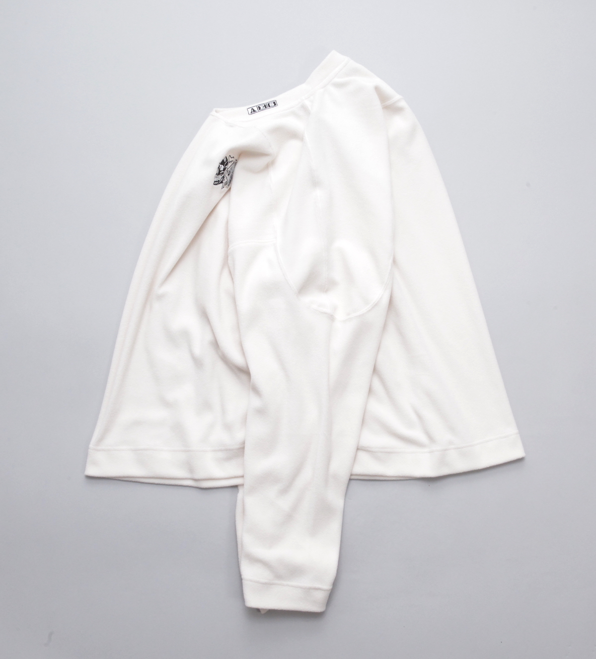 ESSAY 「 TS-2 : SKULL FLEECE / white 」