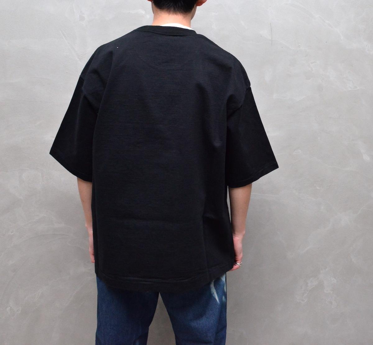 AURALEE 「 STAND-UP TEE / BLACK  (21ss) 」