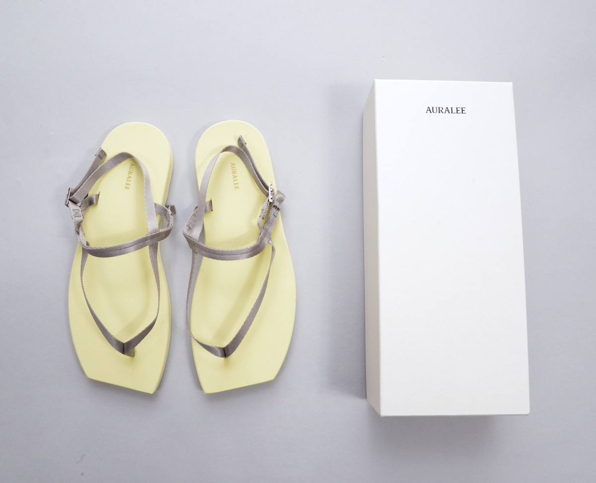 AURALEE 「 BELTED BEACH SANDALS MADE BY FOOT THE COACHER / YELLOW - BEIGE 」