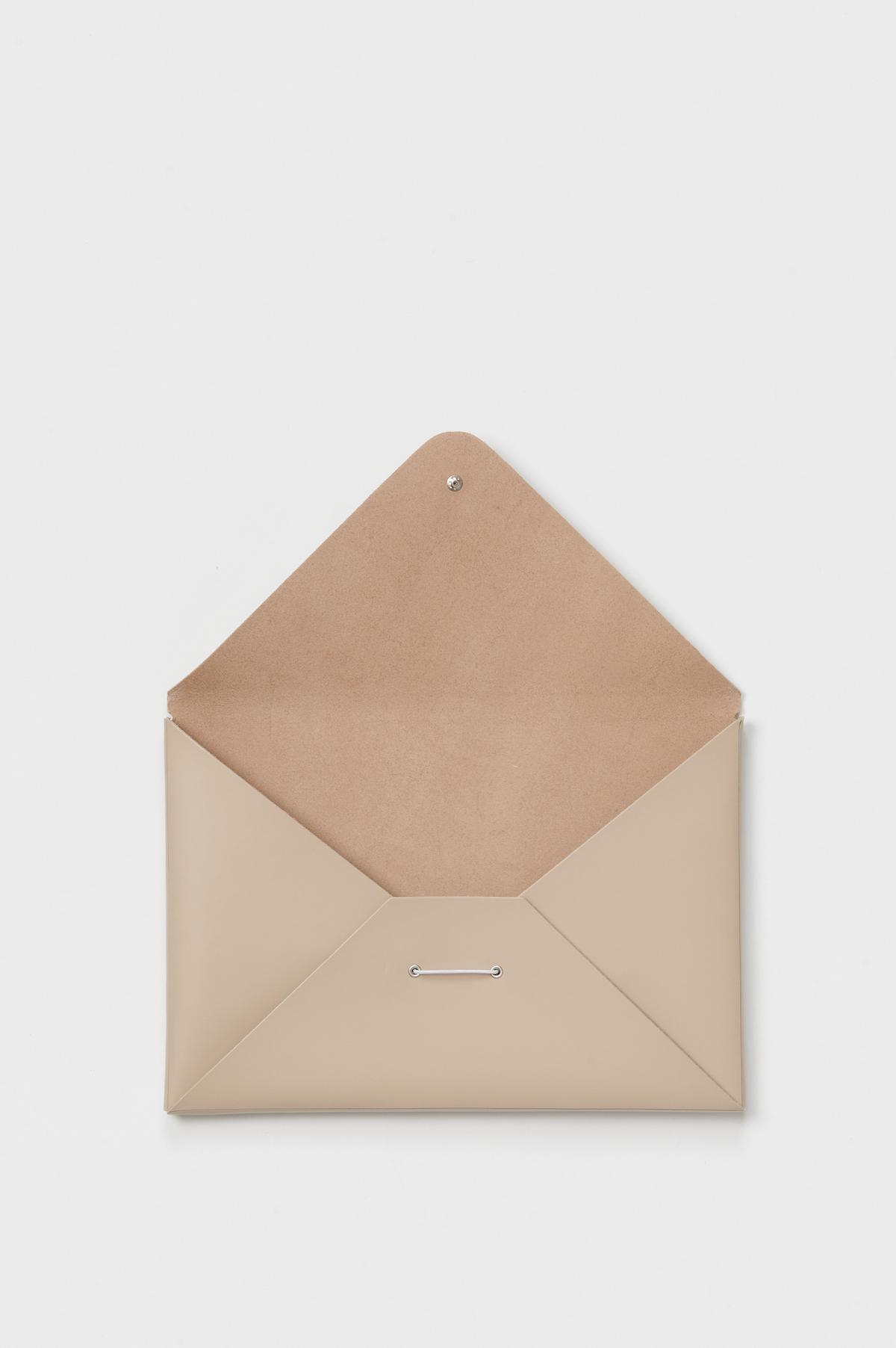 Hender Scheme「assemble envelope A4 / beige」