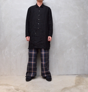 AUGUSTE-PRESENTATION PajamaLook 「 リネンパッカブルレギュラーカラーロングシャツ / BLACK 」