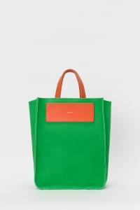 Hender Scheme「reversible bag large / bright green」