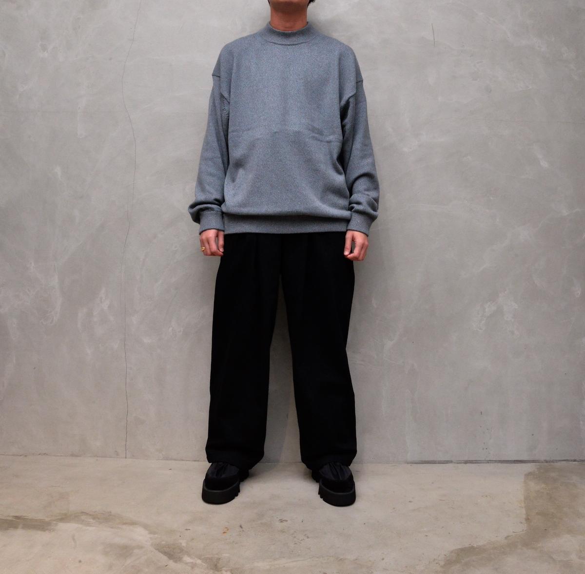 crepuscule 「 Mock neck L/S / Blue × Brown 」