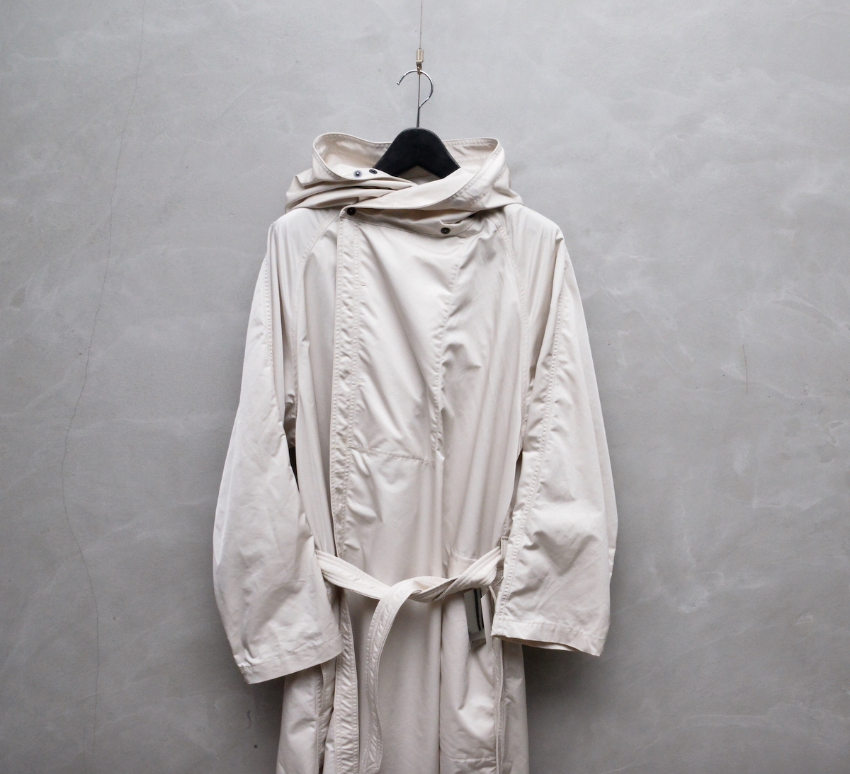 WHOWHAT 「SHADOW COAT / OFF WHITE」